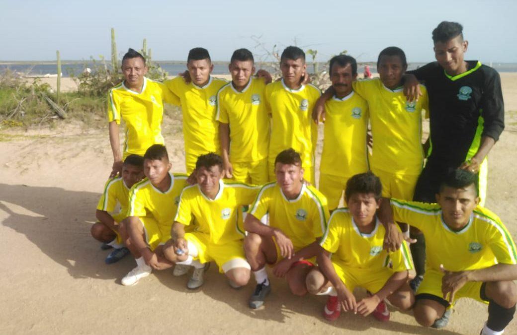 Donación de uniformes deportivos